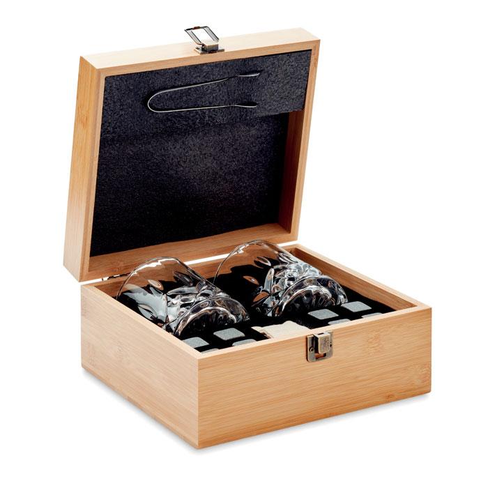 Zestaw do whisky w bambusowym pudełku.